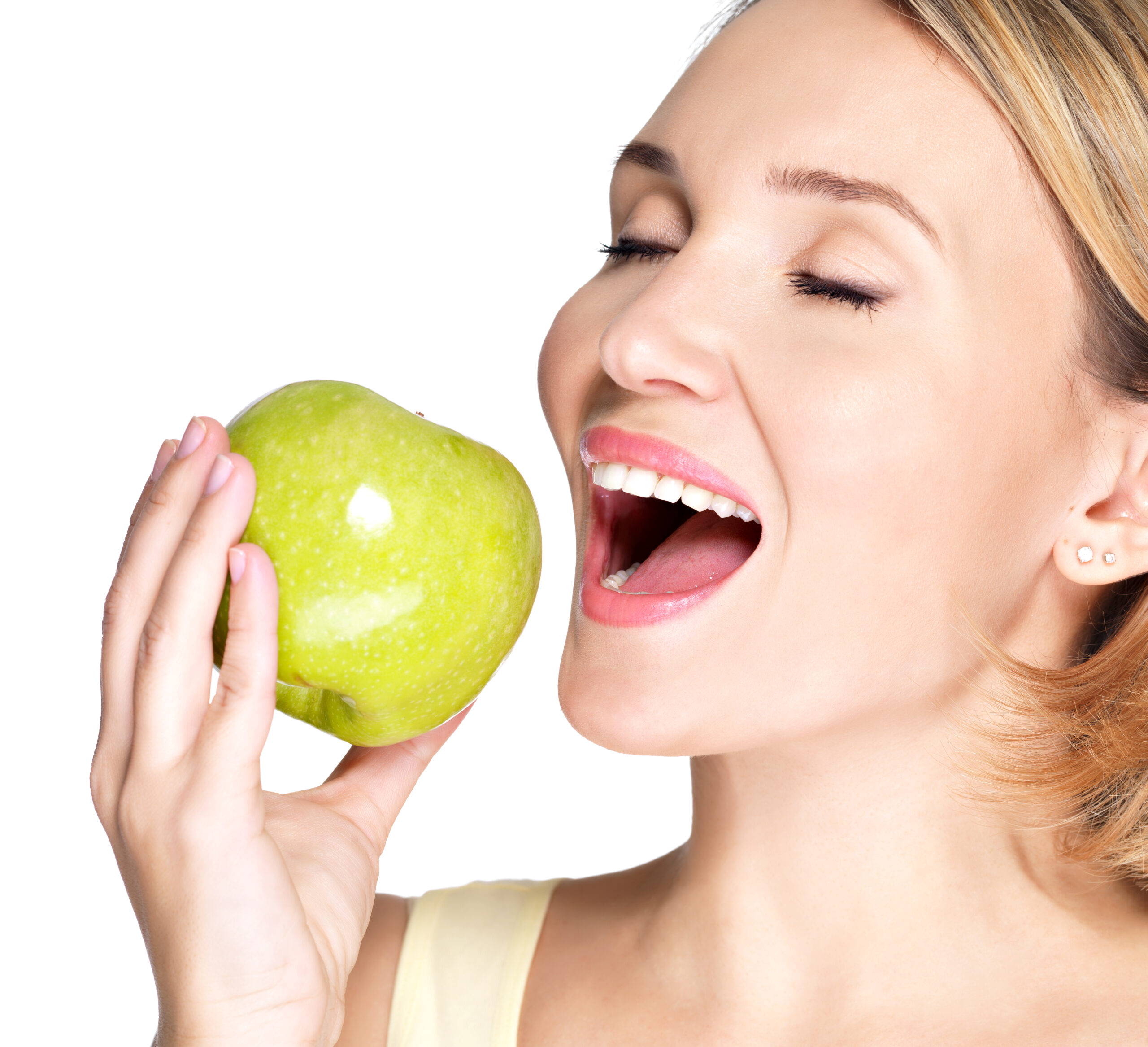 Кариес между зубами: как лечить?